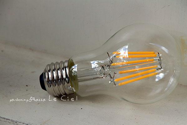 画像1: 一般電球型LED電球E26 (1)